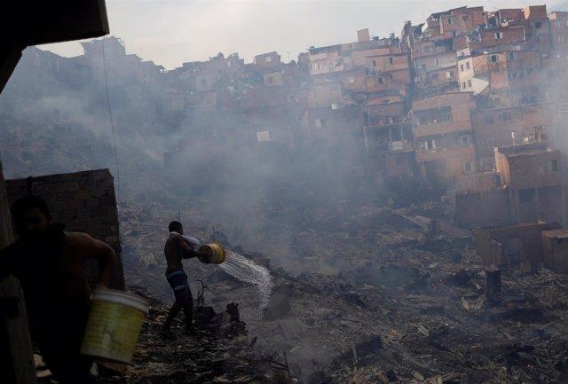 Incendio en favela Paraisópolis, de Sao Paulo