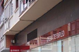 El paro baja en Aragón en febrero en 2.818 personas, el 3,44%