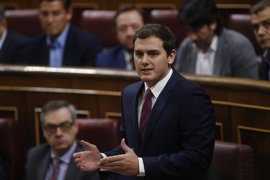 Rivera avisa de que si el presidente de Murcia no dimite no descarta ninguna alternativa