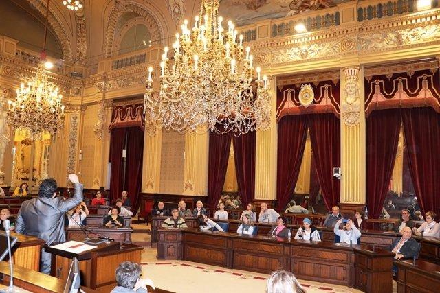 Jornada de puertas abiertas en el Parlament
