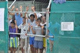 Decenas de inmigrantes atrapados en Manus aceptan ser deportados a cambio de dinero por parte de Australia