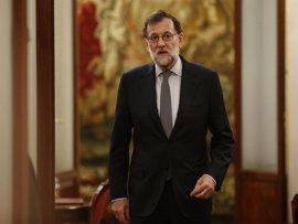 """Rajoy ve en el Libro Blanco de Juncker una """"útil"""" contribución al """"necesario"""" debate sobre el futuro de la UE"""