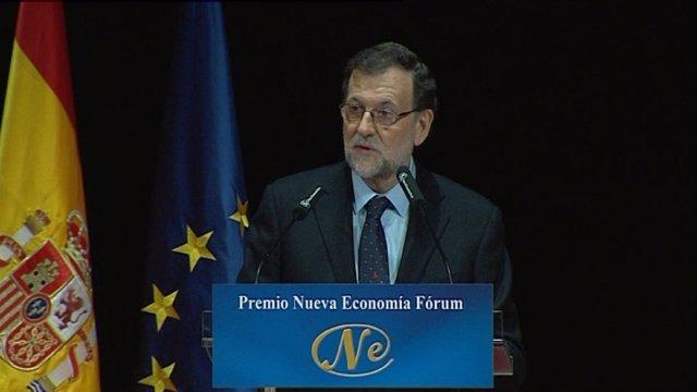 """Rajoy insiste en """"estrechar lazos"""" con Argentina"""
