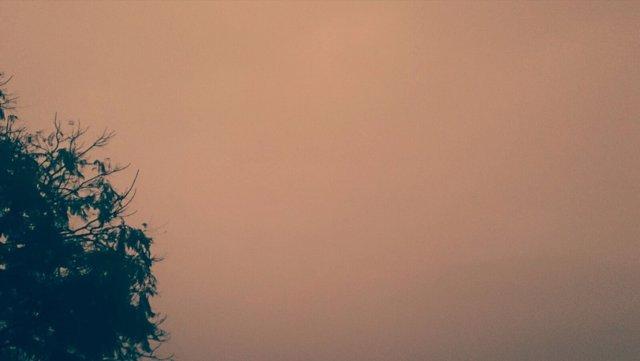 Cielo plomizo por presencia de polvo sahariano en suspensión