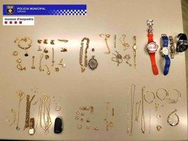 Dos detenidos por vender joyas robadas en una tienda de compraventa en Girona