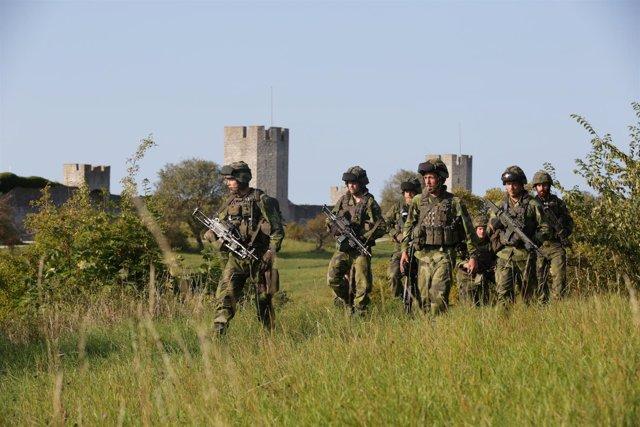 Patrulla de entrenamiento militar en Suecia