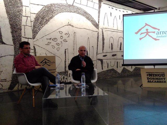 El director de Arrels, Ferran Busquets, y el decano del Coac, Lluís Comerón