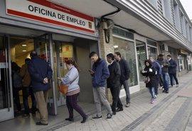 El paro desciende un 8,6% en la ciudad de Madrid en términos internanuales pero sube un 0,7% en febrero