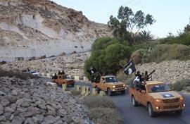 Libia alerta de que Estado Islámico y Al Qaeda están colaborando en el sur de Libia