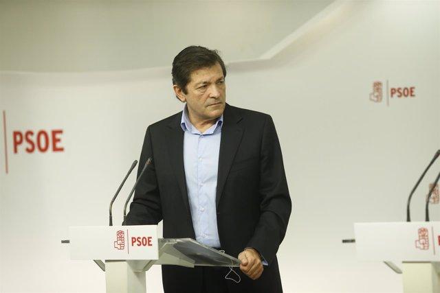 Rueda de prensa de Javier Fernández en la sede del PSOE