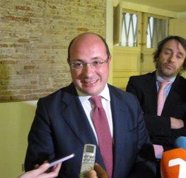 """El presidente del Gobierno murciano advierte a Cs que está """"jugando con fuego"""" si se deja """"arrastrar"""" por Podemos y PSOE"""