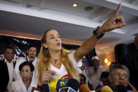 Lilian Tintori denuncia que lleva ocho días sin saber nada de Leopoldo López