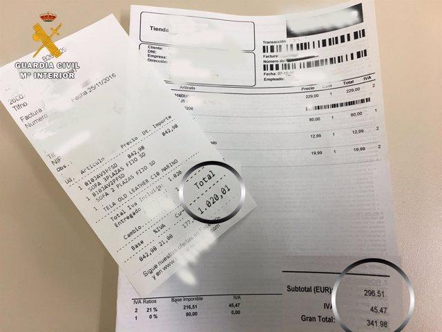 Tickets de algunas de las compras realizadas por la detenida