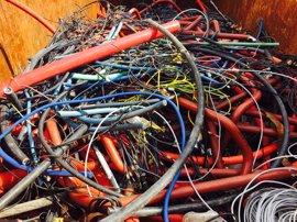 Endesa gestiona 148,2 toneladas de residuos de los trabajos de mejora de la red eléctrica