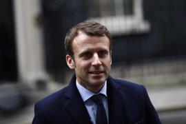 Macron ganaría en primera vuelta en Francia pero quedaría segundo si se presenta Juppé, según un sondeo