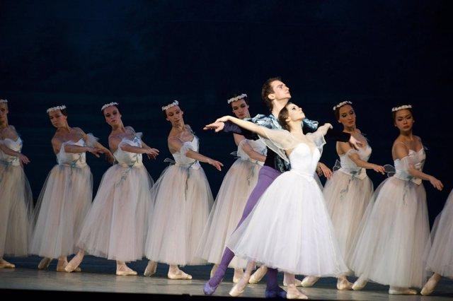 Actuación de la obra 'Giselle' por parte del Ballet de San Petersburgo