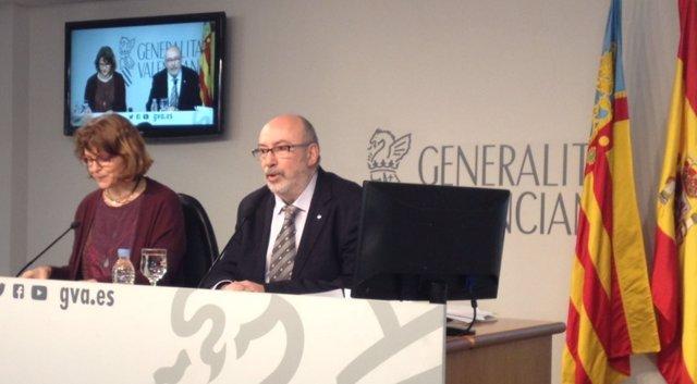 El conseller Manuel Alcarar en la rueda de prensa del pleno del Consell