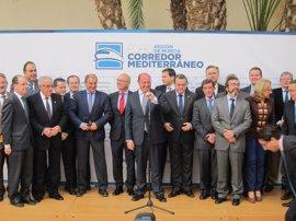 Un Foro reúne a la sociedad civil y económica de la Región para definir el modelo de Corredor Mediterráneo y exigirlo