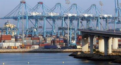 Fomento fija servicios mínimos de hasta el 100% para la huelga de estibadores en los puertos