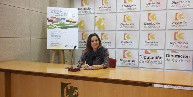 Guijarro presenta los cursos de 'Mujeres en el medio rural'