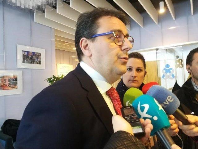 Consejero de Sanidad de Extremadura, José María Vergeles