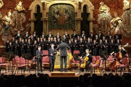 Un concierto de la Escolania de Montserrat recauda 20.000 euros para el Casal dels Infants
