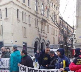 Trabajadores del Moscardó esperan reunirse el lunes con Carmena para desbloquear su subrogación