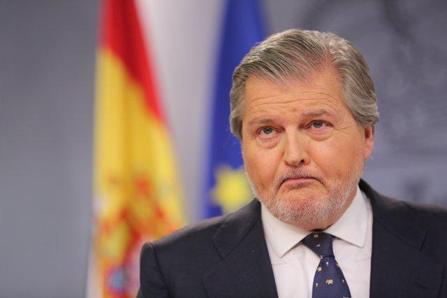 Rueda de prensa de Méndez de Vigo tras el Consejo de Ministros