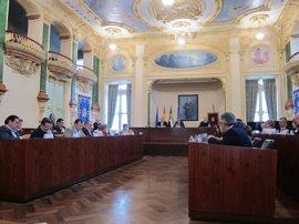 La Diputación de Badajoz aprueba una moción que pide destinar recursos ante la violencia de género