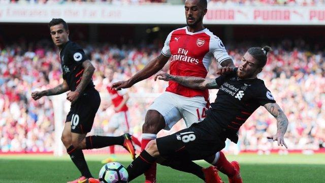 Walcott y Moreno en el Arsenal - Liverpool