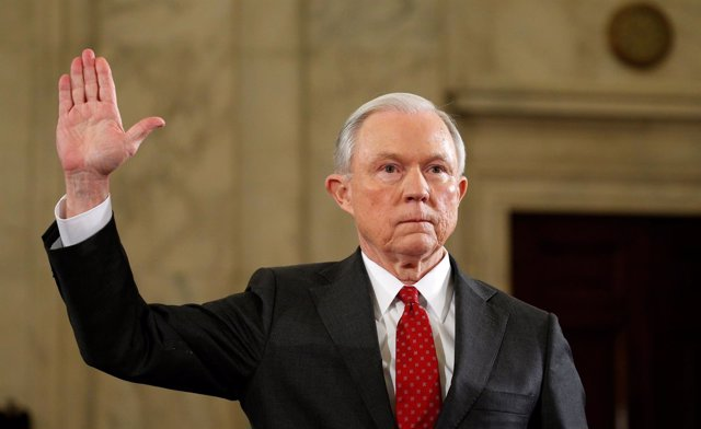 Jeff Sessions, candidato a fiscal general de EEUU