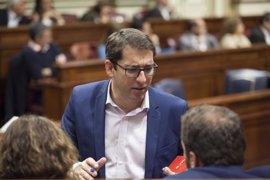PSOE llevará al Parlamento de Canarias subir al 75% la bonificación de billetes de avión para las islas no capitalinas