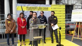 """Amnistía Internacional y el Ayuntamiento de València salen a la calle para reclamar una """"ciudad acogedora"""" de refugiados"""