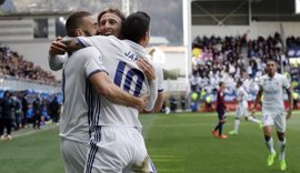 El Real Madrid arrolla al Eibar y presiona al Barça