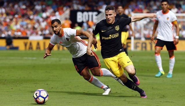 Gameiro y Martín Montoya Atlético de Madid contra Valencia