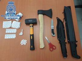 Detenido un hombre con un machete y un mazo ocultos entre la ropa en un centro de salud de Gran Canaria