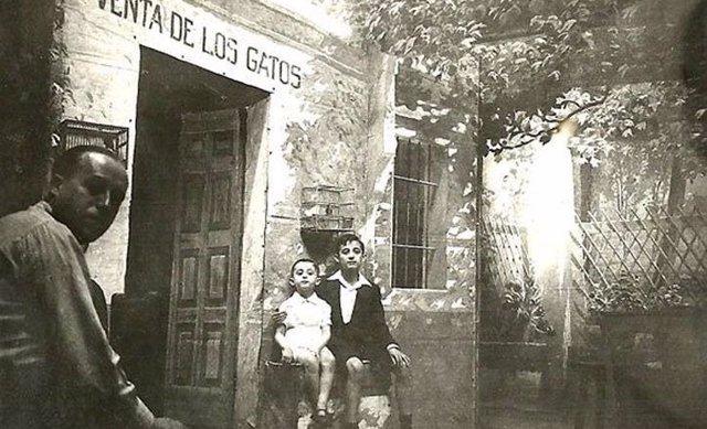 Fotografía histórica de la Venta de los Gatos.