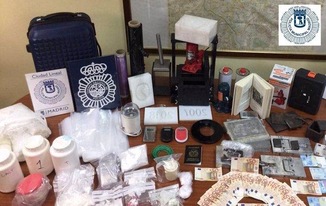 Droga y dinero intervenidos en la operación policial