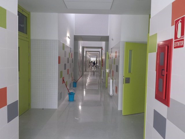 Colegio publico Las naciones Velez málaga deja aulas prefabricadas por nuevo edi