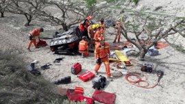 Muere un hombre y su mujer y sus hijos resultan heridos en un accidente en la CV-60 en Montixelvo