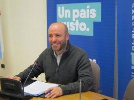 """Villares, """"dispuesto"""" a ser portavoz de En Marea, pero no rechaza que lo sean """"otras personas"""""""