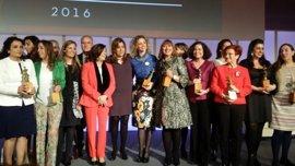 Susana Díaz entrega en Sevilla los XX Premios Meridiana en defensa de la igualdad de género