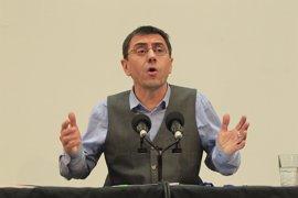 Monedero interviene este lunes en el Parlamento en la comisión de estudio del sistema electoral canario