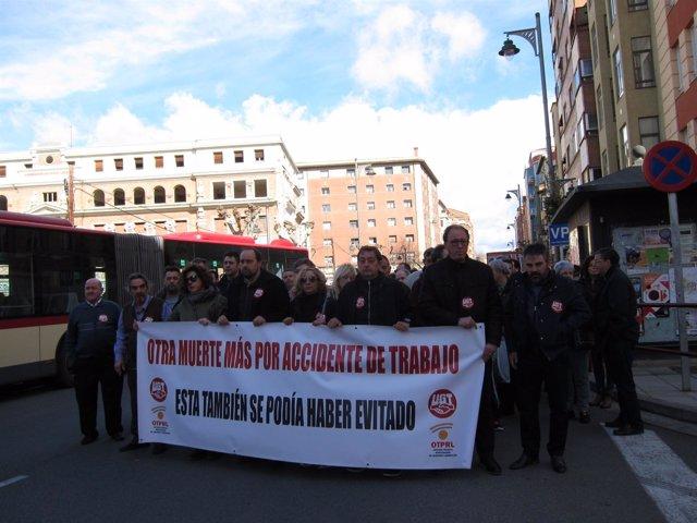 Concenrtración de UGT por fallecido en accidente  laboral