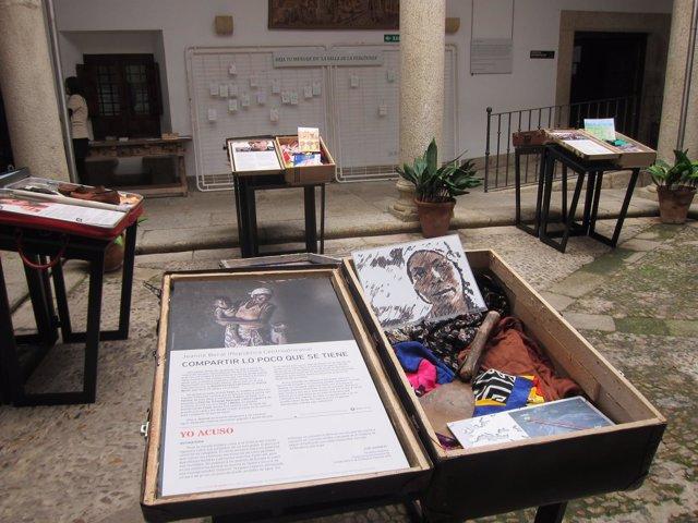 La exposición '11 vidas en 11 maletas' llega a Cáceres