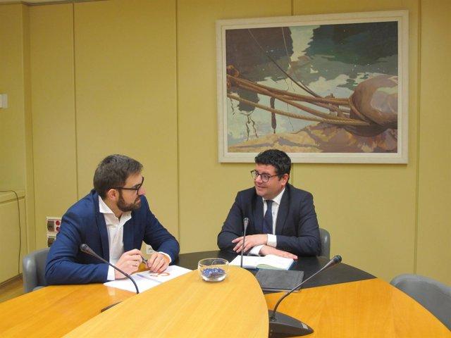 Domínguez y Ubis analizan provisión puestos funcionarios