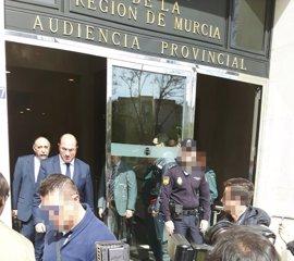 """El presidente murciano niega corrupción y asegura que dimitirá cuando haya """"imputación formal"""""""