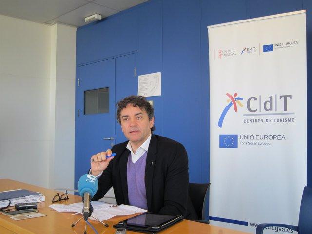 Francesc Colomer en rueda de prensa
