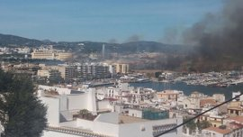 """El alcalde de Ibiza dice que el incendio parece """"estabilizado"""" y desconoce las causas que lo han provocado"""