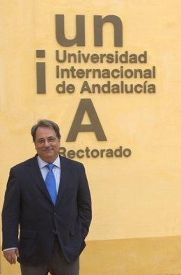 El rector de la UNIA, Eugenio Domínguez Vilches